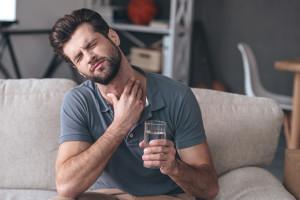 Hausmittel gegen Halsschmerzen