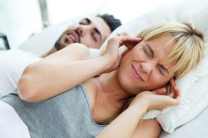 Hausmittel gegen Schnarchen