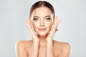 gesunde haut manuka honig Hausmittel gegen fettige Haut Narbengel Contractubex