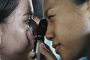 Augenarzt untersuchung