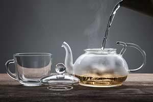 manuka bei erkältung honig wasser tee