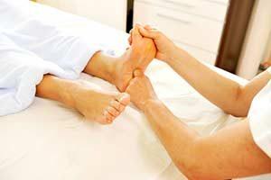 Fußreflexzonenmassage behandlung