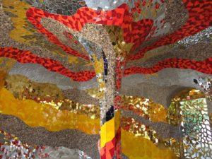 spiegel rot gold silber raum architektur