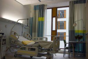 Pfelgebett Krankenhaus Krankenschwester Pflegepersonal Krankenhausbett
