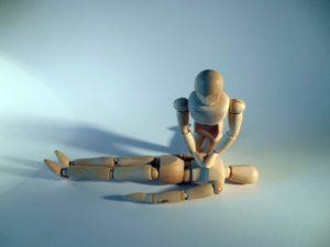 massagegerät erste hilfe holz puppen