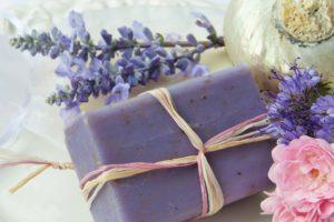 seife lavendel lila violett körperpflege duschen waschen