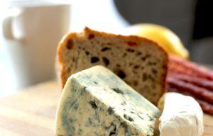käse brot kohlenhydrate eiweiß proteine frühstück essen fit for life diät schimmelkäse