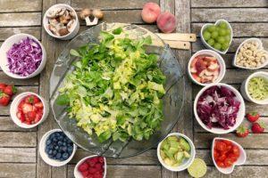 salat rohkost diät früchte gemüse beeren obst Hefepilz
