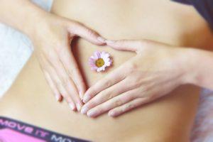Bauch Entschlacken Entgiften Frau Gesund Ernährung Verdauung Abnehmen Diät