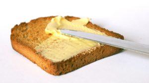 butter , gute butter , fett , ernährung , lebensmittel , essen , stück butter , verpackung , nahrung , ernähren , nährstoffe , nahrungsmittel frühstück butterbrot