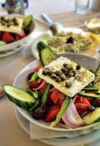 salat , greeksalad , santorin , gurke , feta , kapern , essen , nahrung , zwischenmahlzeit , lecker