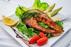 Vitamin B6 - Pyridoxin Avocado Fisch Lachs Essen Lebensmittel Nahrung Ernährung