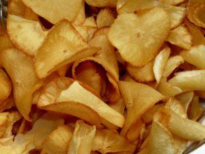 maniok , wuzrel essen lebensmittel  chips snack