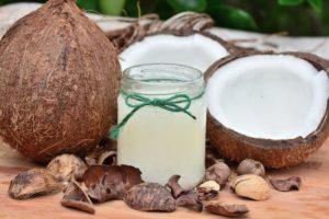 lebensmittel , kokosnuss , obst , gesund , kokosöl , hausgemachte , zutat , roh , vegan , natürliche , rustikal , handgefertigt , Kokosöl - Wirkung und Anwendung