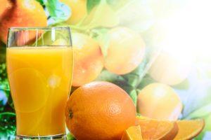 apfelsine , orange , zitrusfrucht , tropisch , obst , frucht , orangen scheiben , orangen spalten , fruchtig , gesund , frisch , saftig , lecker , süß , vitamine , vitamin c , nahrung , nahrungsmittel , lebensmittel , vitaminreich , vitaminhaltig , gesundheit , bio , geniessen orangensaft saft