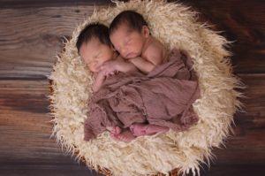 zwillinge , jungen , babys , säuglinge , neugeborene , männlich , zusammen