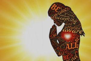 bewusst , wach , annahme , abgestimmt , dankbar , gebet , gegenwart , art , sichern , vertrauen , inspiration , geist , aufmerksam , bewusstsein , frau , respekt , achtsam , achtsamkeit , meditation , akzeptanz , geistige , haltung , offen , kommunion , friedlich , herz , emotion , gefühl , verbindung , beziehung , liebe