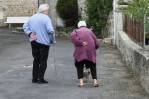 menschen , ältere menschen , altenpflege , betreuung , charakter , krankheit , pflege , pflegefall , empathie , mitgefühl , senioren