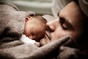 baby , kinder , niedlich , vater , papa , familie , sohn , halten , kleinkind , wenig , liebe , männlich , mann , neugeborene , menschen , schlafen , schläfrig , zusammen , jung , tochter , vatertag , liebe wallpaper