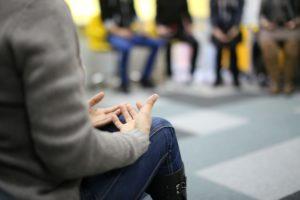 Selbsthilfegruppen Liste in Deutschland , entspannen , entspannung , hände , gruppe von personen , therapie , Gruppentherapie