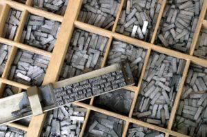 Zink Protoporphyrin (ZPP) setzkasten, winkelhaken, buchdruck, schriftsatz, setzkästen, bleisatz, gutenberg, buchstaben, typografie, buchdruckerei, schrift, setzer, zeilen, blei