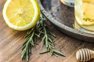 limonade , zitrusfrüchte , nahaufnahme , trinken , frisch , obst , hausgemachte , honig , honig tropfer , zutat , saft , zitrone , flüssigkeit , rosmarin