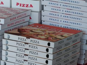 pizzaschachteln , schachteln , pizzadienst , pizza-transport , transportschachtel , italiener , italienisch , lieferung , lieferservice , pizzalieferung , bestellung , fastfood , junkfood , snack , kartons , pizzakartons