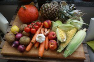 ballaststoffe , obst und gemüse , erntedank , einkauf , gemüsekiste , mais , ernte, lebensmittel, gesund, ernährung, essen