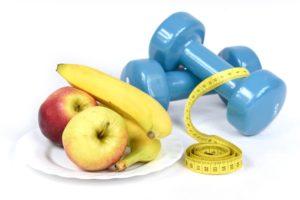 eine veränderung des lebensstils , banane , diät , gesunde , hintergrund , white , lebensstil , ausbildung , fitness-studio , apple , essen , isoliert , ernährung , das band , messen , frisch , zentimeter , gesundheit , obst , schlank , passen , das gewicht der , die messung der , der verlust der , zähler , green , gelb , vegetarische restaurants , zu verlieren , sport , natürliche , werkzeuge , form , verkehr , ausrüstung , der erfolg der , energie , die idee der , die frische