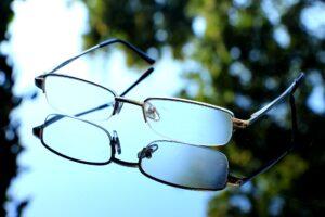 brille , sehen , gläser , sicht , schärfe , brillengläser , scharf sehen , klarer blick , augengläser , gut sehen , lesebrille , durchblick , brillenfassung , kurzsichtigkeit, myopie