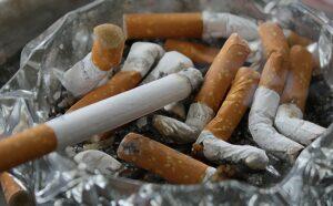 zigaretten , asche , kippen , rauchen , aschenbecher , ekel , raucher , krebs , lungenkrebs , krankheit , sucht , suchtgefahr , nikotin, tabak