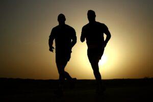 läufer , silhouetten , athleten , fitness , männer , gesund , sonnenuntergang , abenddämmerung , joggen , aktiv , workout , training , laufen , sport , ausdauer , gesundheit, mann, männer, midlifecrisis