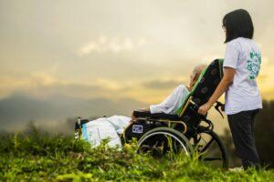 hospiz , pflege , patienten , ältere menschen , alte , altenpflege , unterstützung , krankheit , ältere , alter , behinderung , behinderte , holunder im rollstuhl, myopathie