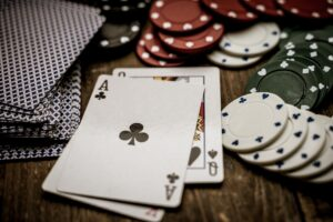 glücksspiel , gewinnspiel , poker , glück , spielen , gewinn , spiel , gewinnen , risiko , zocken , spielsucht , punkte , zufall , kasino , verlieren , vergnügen , casino , spielchips , einsatz , spielabend , spielkarten , spielcasino , kartenspiel , dealer , chips