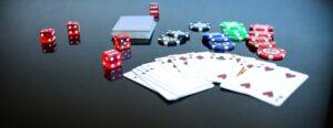 poker , game , spiel , spielen , glücksspiel , luck , glückwürfel , würfelspiel , würfel , augenzahl , verlieren , gewinnen , strategie , zeitvertreib , geld , präsentation , geld verdienen , euro , währung , finanzen , spende , gemeinsam , symbol , dollar , münze , gewinner , team , poker spiel , poker game , adrenalin , gewinn , business , erfolg , erfolgreich , aufschwung , karten , siegreich , spekulieren , siegen , kartenspiel , casino , no limit holdem , kasino , chips , pokerspiel , spielkarten , pokerchips , sucht , jetons , ass , spielsucht , spielbank , spielkasino , royal flush , karo , texas hold'em , bube , reihe , könig , glück , gamble , straße , herz , speilsucht , trumpf , kreuz , las vegas , spieltisch , pokerface , zahlen , abfolge , full house , serie , freizeit