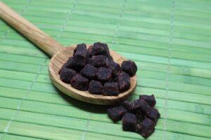 acai , euterpe oleracea , superfood , acaibeere , acai würfel , trockenfrucht , trockenfrüchte , acai beere, superfood, gesund,