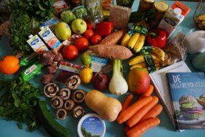 lebensmittel , obst , vegan , soja , lebensmittelgeschäft , frisch , diät , obst und gemüse , gesundheit , essen , ernährung , gemüse , vegetarier , ausgeglichen , frisches obst , natürliche , roh , markt , einkaufen , lebensmitteleinkauf , antioxidans , zitrusfrüchte , karotte , frisches gemüse , vitamin , grün , vegetarische
