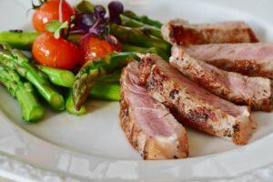 Low Carb , pargel , steak , kalbssteak , kalbfleisch , fleisch , grillen , grüner spargel , asparagus , spargelzeit , gemüse , essen , mahlzeit , spargelgewächse , gesund , low carb , diät , nahrung , nahrungsmittel , lowcarb , lebensmittel ,