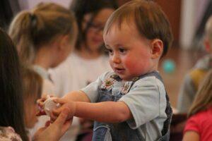 kinder , junge , kleinkind , vorschulkind , spielen , kindergarten , kinder im vorschulalter , vorschule , kinderkrippe