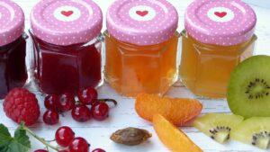 marmelade , konfitüre , obst , früchte , zucker , einkochen , beeren , gläser , herz , liebe , kochen , diät , diabetes , vitamine , bio , frisch , brotaufstrich , selbstgemacht , essen , küche , ernte , garten , sommer , vegetarisch ,