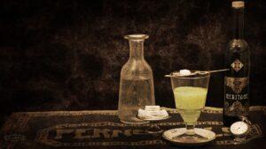 Gemeiner Wermut; Echt-Wermut; Wermutkraut; Bitterer Beifuß; Alsem – Absinth; Grüne Fee; Wermutspirituose