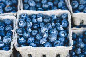 blaubeeren , bündel , beeren , früchte , bündel beeren , frische beeren , frische heidelbeeren , reif , reife blaubeeren , obststand , ernte , produzieren , organisch , frisches erzeugnis ,