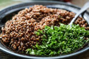 grütze , mahlzeit , kräuter , lebensmittel , vegetarier , korn , schüssel , bio , ernährung , natürliche , diät , landwirtschaft , gesund , einfache , grün , natürliche lebensmittel , gesundes essen , gesund essen , vegan , buchweizen ,